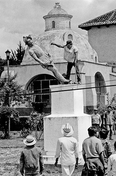 Derribo De La Estatua De Diego De Mazariegos